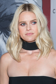 Alice Eve sported face-framing blonde waves at the New York premiere of 'Criminal.'