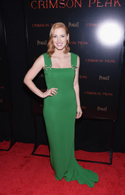 Jessica Chastain looked simply lovely at the New York premiere of 'Crimson Peak' in a green Lanvin column dress with pearl-accented shoulder straps.