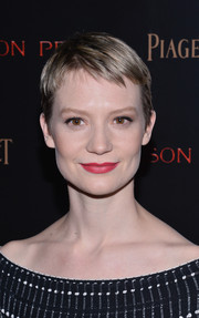 Mia Wasikowska worked a super-cute pixie at the New York premiere of 'Crimson Peak.'