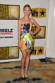 Jayma Mays carried a peach leather clutch to the Critics' Choice Television Awards.