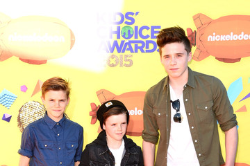 Cruz Beckham Romeo Beckham Nickelodeon's 28th Annual Kids' Choice Awards - Arrivals