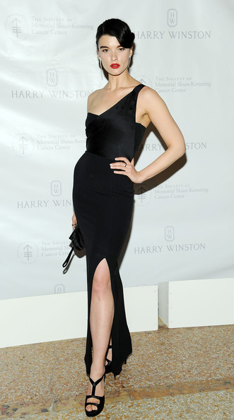 Crystal Renn One Shoulder Dress [clothing,dress,shoulder,fashion model,cocktail dress,little black dress,leg,fashion,joint,neck,crystal renn,new york city,metropolitan museum of art,memorial sloan-kettering cancer center 6th annual spring ball]