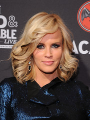 Jenny McCarthy's feathered waves at the Cuban Independence Day celebration had a Farrah Fawcett feel.