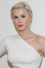 Ireland Baldwin looked angelic at the Cushnie et Ochs fashion show wearing this lovely braided updo.