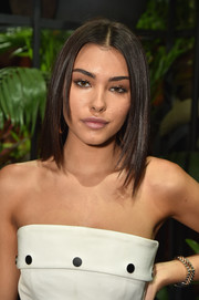 Madison Beer looked stylish with her choppy lob at the Cushnie et Ochs fashion show.
