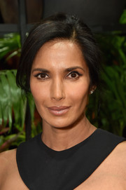 Padma Lakshmi styled her hair into a simple loose bun for the Cushnie et Ochs fashion show.