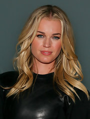 Rebecca Romijn attended the Cynthia Rowley fall 2012 fashion show wearing her hair in casual waves.