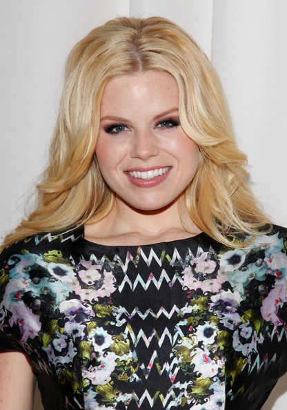 Megan Hilty wore her layered blond hair with loads of volume and a lot of loose waves at the Cynthia Rowley fall 2012 fashion show.