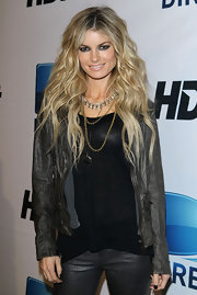 Marisa miller added a cool touch to her look with layered gold chain necklaces.