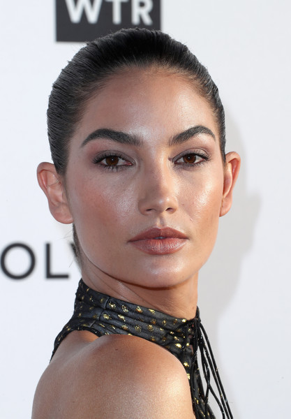 Lily Aldridge opted for a simple slicked-back bun when she attended the Fashion Los Angeles Awards.