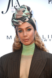 Leona Lewis rocked a printed turban by Marc Jacobs at the 2018 Fashion Los Angeles Awards.