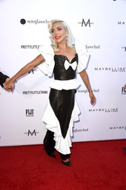 Lady Gaga paired her top with a matching ruffled maxi skirt.