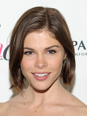 Emily Weiss kept it low-key with this short straight hairstyle at the Fashion Media Awards.