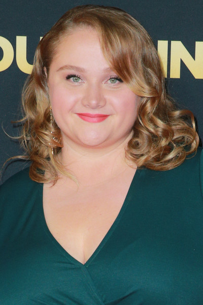 Danielle Macdonald Medium Curls