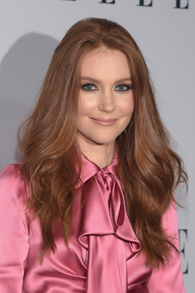 Darby Stanchfield Long Wavy Cut [hair,face,hairstyle,blond,brown hair,long hair,hair coloring,layered hair,pink,eyebrow,darby stanchfield,arrivals,west hollywood,california,sunset tower hotel,elle,6th annual women in television dinner]