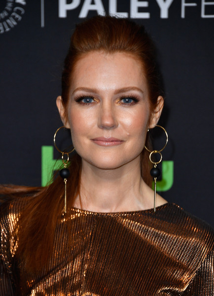 Darby Stanchfield Ponytail [scandal,hair,face,hairstyle,eyebrow,lip,beauty,skin,chin,forehead,brown hair,darby stanchfield,arrivals,panel,los angeles,dolby theatre,california,paley center for media,paleyfest,screening]