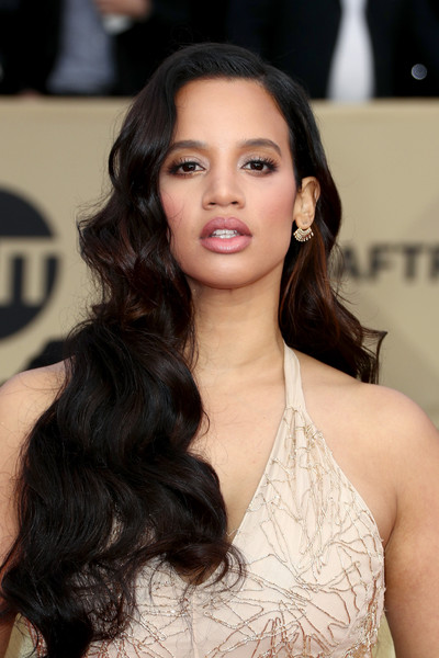 Dascha Polanco Long Wavy Cut