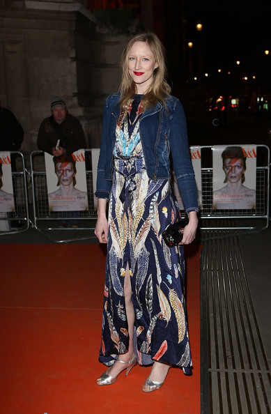 Jade Parfitt sported this long feather-print dress for her hippie-inspired look on the red carpet.