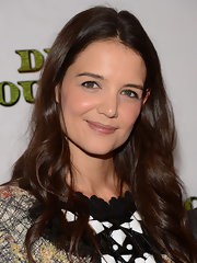 Katie went with effortlessly romantic curls for the opening night of her Broadway show, 'Dead Accounts.'