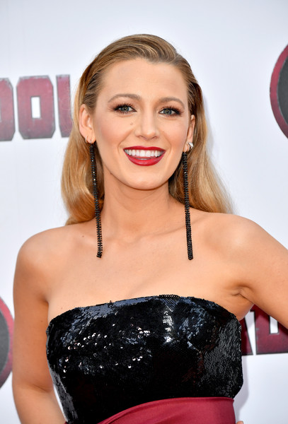 More Pics of Blake Lively Beaded Clutch (1 of 12) - Blake Lively Lookbook - StyleBistro