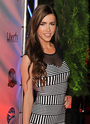 Jacqueline MacInnes Wood wore her long hair in a side-parted style with curled ends during the 'Defendor' after-party.