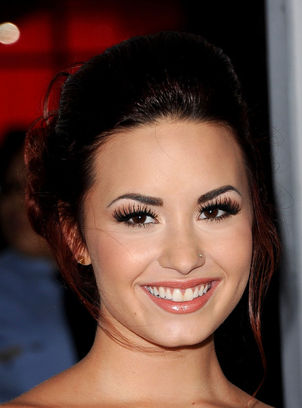 Demi Lovato False Eyelashes