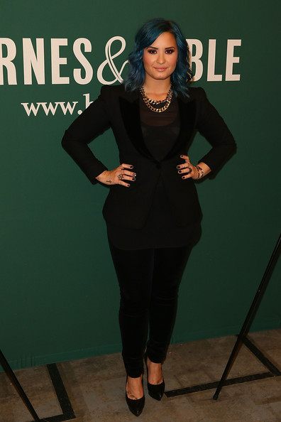 Demi Lovato Skinny Pants [clothing,green,fashion,formal wear,suit,dress,footwear,outerwear,little black dress,photography,demi lovato,bookstore,the grove,los angeles,california,barnes noble,demi lovato signing,book signing]