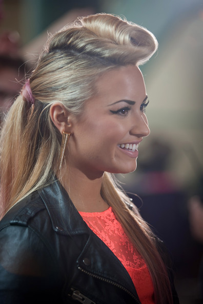 Demi Lovato Half Up Half Down [the x factor,season,hair,hairstyle,blond,beauty,eyebrow,lady,chin,nose,lip,long hair,demi lovato,greensboro,nc,greensboro coliseum,auditions,auditions]