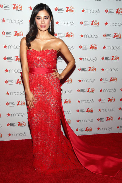 Diane Guerrero Strapless Dress [dress,clothing,shoulder,red,gown,strapless dress,carpet,fashion model,red carpet,hairstyle,arrivals,diane guerrero,front row,new york city,hammerstein ballroom,macys,american heart associations go red for women red dress collection,american heart associations go red for women red dress collection 2017,fashion week]