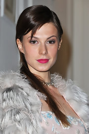 Elettra Wiedemann looked oh-so-lovely at the Dior fashion show even with the simplest straight side sweep.