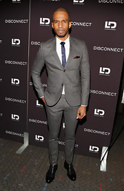 Eric West looked dapper as ever in this gray two-button suit.
