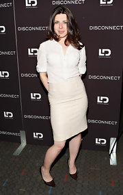 Heather Matarazzo kept her look classic and sophisticated with a cream-colored pencil skirt.