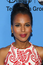 Kerry proved that she's a vision of classic elegance when she rocked a simple bun.