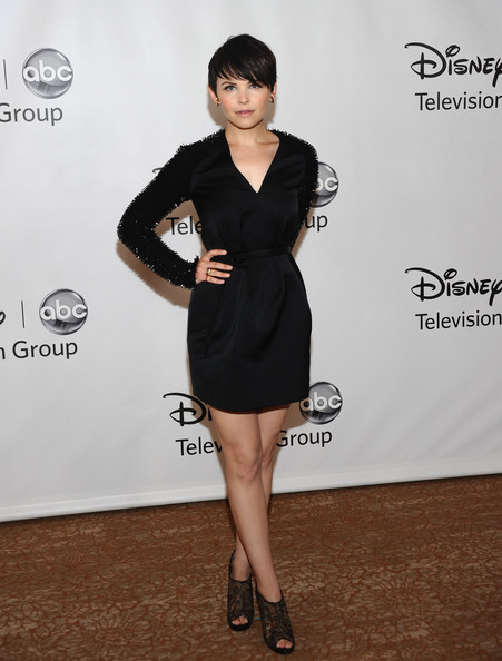 More Pics of Ginnifer Goodwin Short Straight Cut (3 of 17) - Short Hairstyles Lookbook - StyleBistro