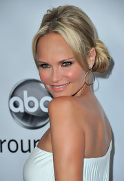 Kristen Chenoweth wore a sweet side bun during the TCA Winter Press Tour.