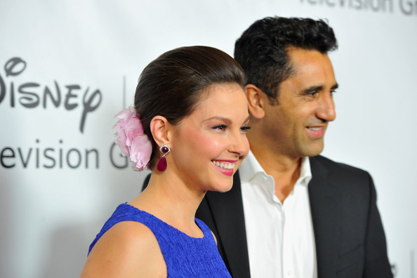More Pics of Ashley Judd Bobby Pinned Updo (3 of 17) - Ashley Judd Lookbook - StyleBistro