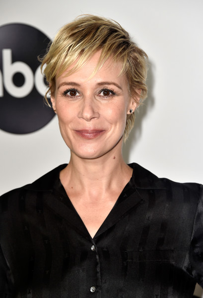 More Pics of Liza Weil Messy Cut (1 of 3) - Liza Weil Lookbook - StyleBistro [hair,hairstyle,face,blond,eyebrow,chin,beauty,forehead,lip,smile,arrivals,liza weil,beverly hills,california,the beverly hilton hotel,disney,abc television hosts tca summer press,tour,tca summer press tour]