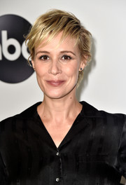 Liza Weil rocked a messy-chic 'do at the Disney ABC Television TCA Summer Press Tour.