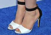 Maddie Hasson's black and white evening sandals were simple and elegant on the actress.