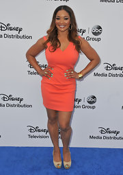 Tamala Jones' peach frock looked fun and flirty on the actress!