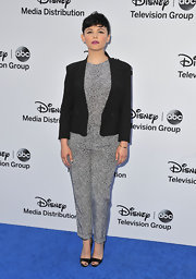To complement her totally sleek look, Ginnifer Goodwin opted for a black blazer.