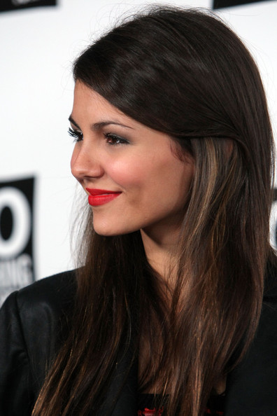 More Pics of Victoria Justice Red Lipstick (1 of 6) - Victoria Justice Lookbook - StyleBistro [hair,face,hairstyle,eyebrow,lip,black hair,chin,brown hair,long hair,layered hair,victoria justice,california,hollywood,madame tussauds wax museum,dosomething.org celebrates the power of youth,party]