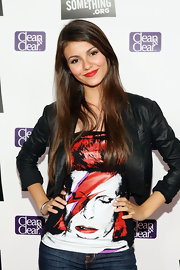 Victoria Justice sported an edgy graphic shirt at the DoSomething.org Power of Youth event.
