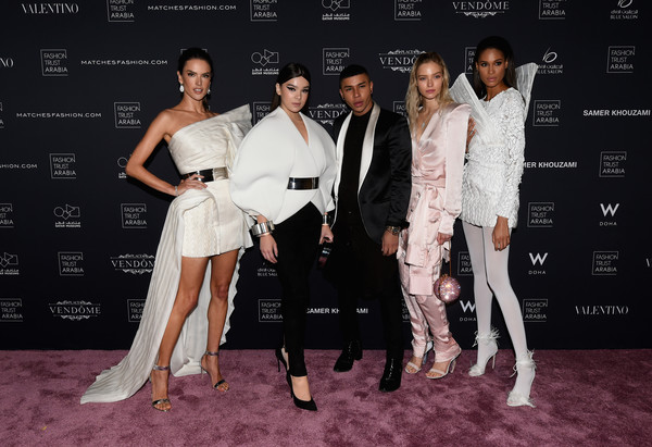 More Pics of Hailee Steinfeld Fitted Jacket (1 of 4) - Outerwear Lookbook - StyleBistro [white,fashion,red carpet,dress,footwear,event,leg,performance,fashion design,premiere,red carpet,alessandra ambrosio,olivier rousteing,sasha luss,hailee steinfeld,cindy bruna,gala dinner,doha,doha fashion trust,fashion trust arabia gala]