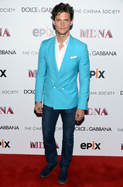 Garrett Neff chose a teal double-breasted blazer to give him a summery look on the red carpet.