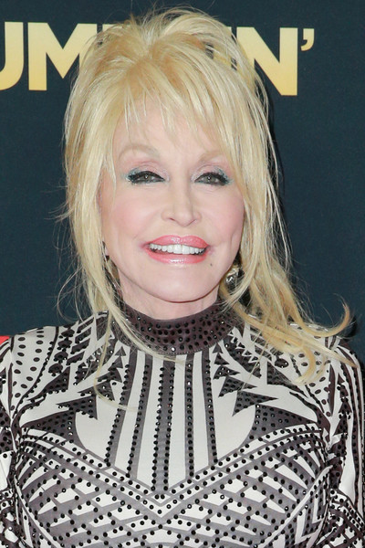 Dolly Parton Loose Ponytail [hair,blond,hairstyle,face,eyebrow,chin,lip,layered hair,bangs,long hair,arrivals,dolly parton,dumplin,california,hollywood,tcl chinese 6 theatres,netflix,premiere,premiere]