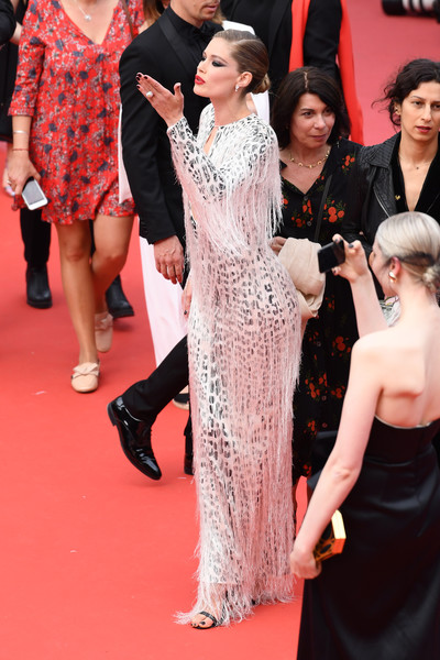 Doutzen Kroes Fringed Dress [red carpet,carpet,premiere,flooring,clothing,dress,fashion,hairstyle,event,pink,doutzen kroes,once upon a time in hollywood,screening,cannes,france,red carpet,the 72nd annual cannes film festival,cannes film festival]