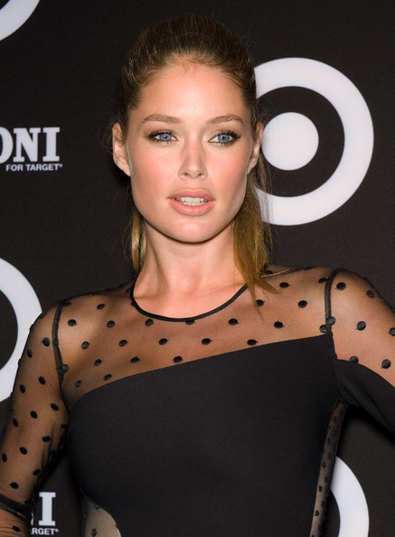 Doutzen Kroes Metallic Eyeshadow