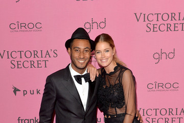 Doutzen Kroes Sunnery James Arrivals at the Victoria's Secret Fashion Show