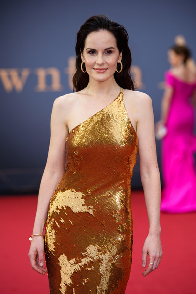 More Pics of Michelle Dockery Long Wavy Cut (1 of 16) - Long Hairstyles Lookbook - StyleBistro [downton abbey,fashion model,clothing,dress,red carpet,carpet,cocktail dress,fashion,hairstyle,shoulder,flooring,arrivals,michelle dockery,england,london,cineworld leicester square,vip,world premiere]